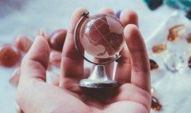 「エピソードよりエビデンス」「失敗は財産」 グローバル人材の条件を達人たちが語る